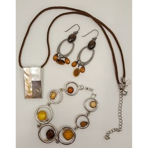 Lia Sophia Set Earrings Necklace & Earrings